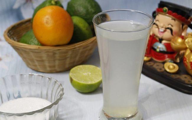 Nước chanh muối trị bệnh táo bón